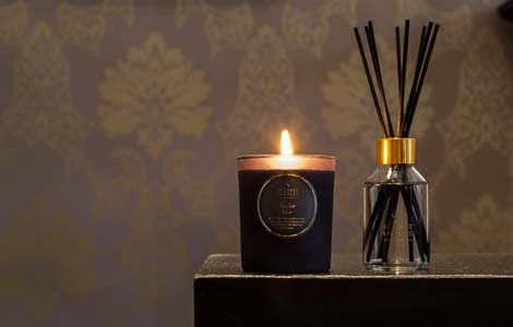Amber Noir Candle and Diffuser