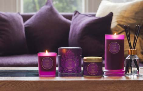 oriental fig candles on coffee table