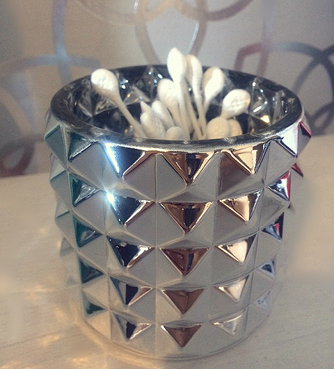 Cotton buds in Silver Textured Elements vessel